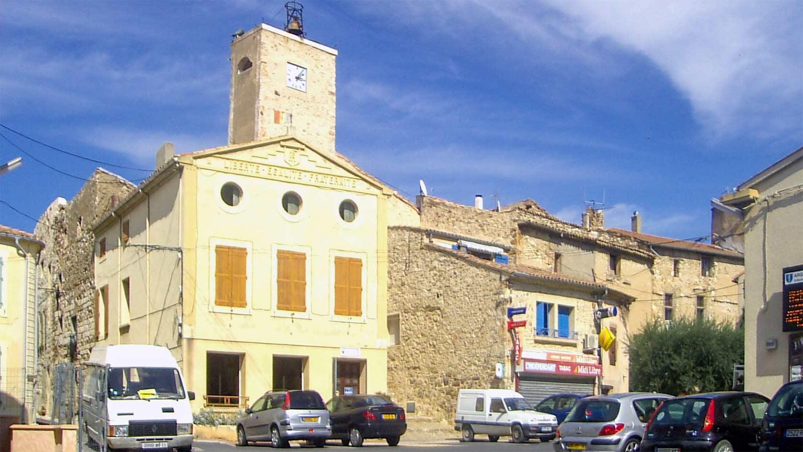 place de la mairie à Argeliers